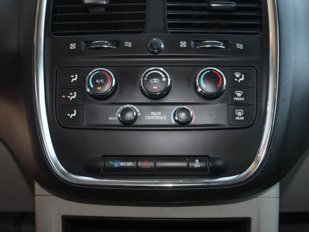2016 Dodge Grand Caravan SE 3.6-L V-6 DOHC 24V FWD