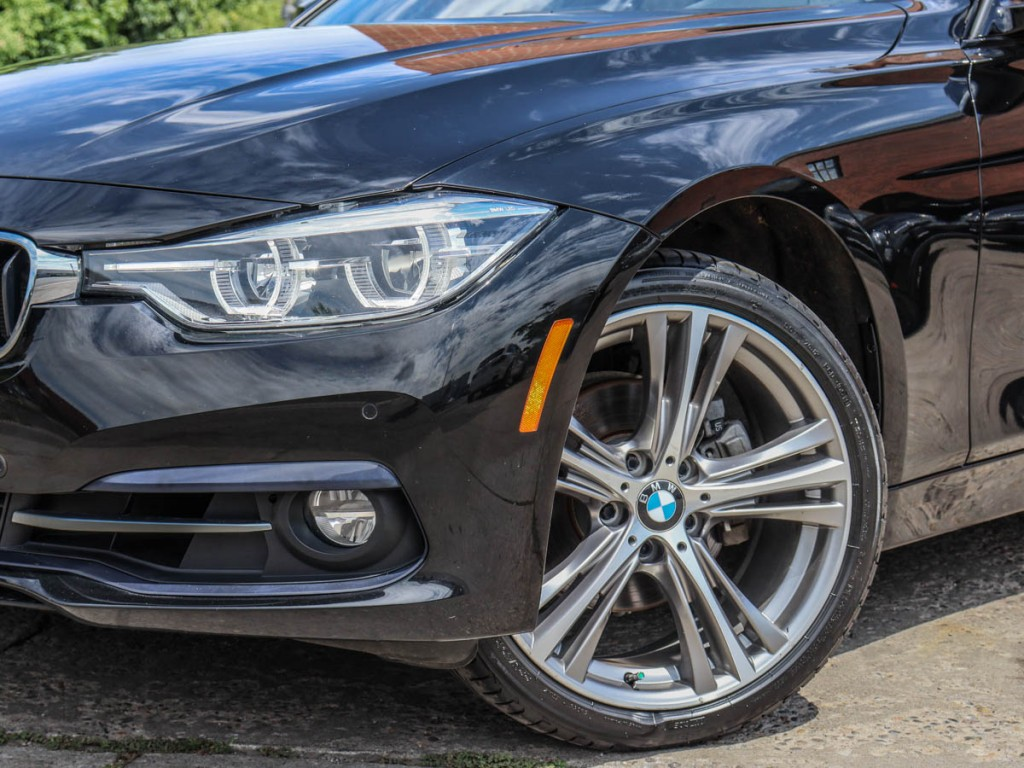 2017 BMW 3-Series 330i XDrive 3.0-L L-6 DOHC 24V AWD
