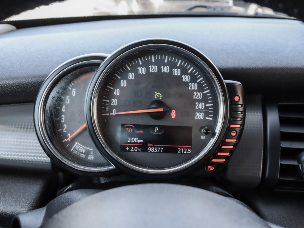 2015 Mini Cooper Base 1.6-L L-4 DOHC 16V Turbo FWD