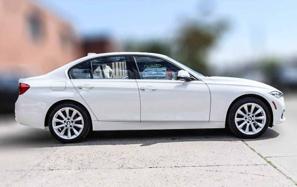 2017 BMW 3-Series 330i XDrive 3.0-L L-6 DOHC 24V AWD