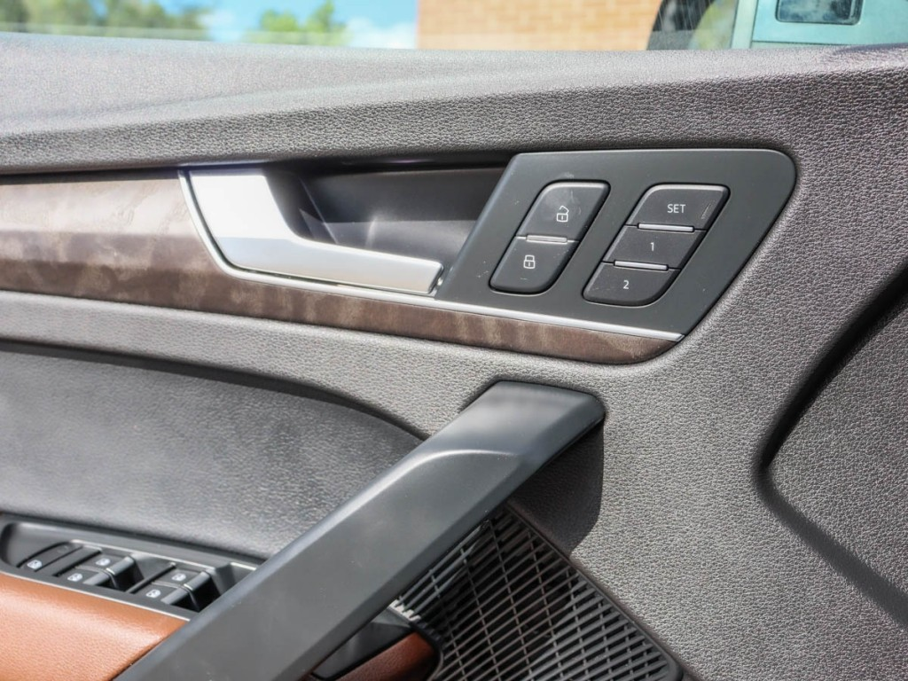 2018 Audi Q5 Prestige 2.0-L L-4 DOHC 16V AWD