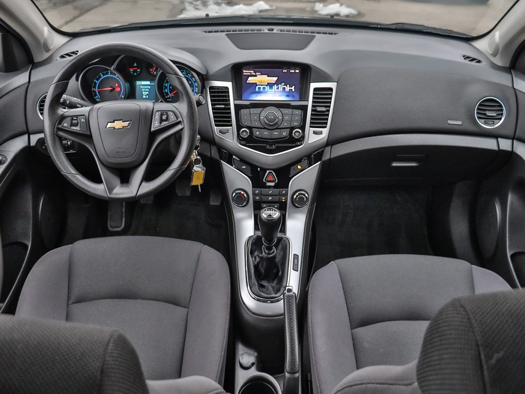 2016 Chevrolet Cruze Limited 1LT 1.4-L L-4 DOHC 16V Turbo FWD
