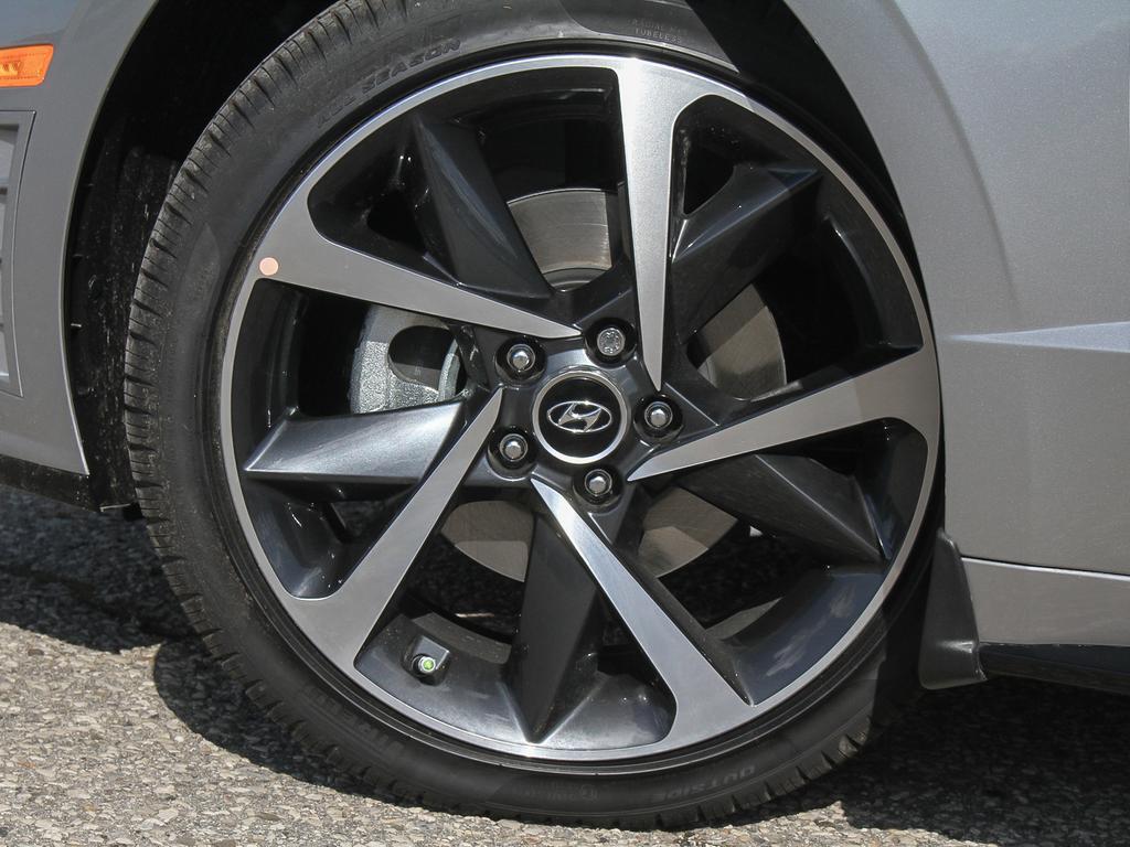 2021 Hyundai Sonata SEL Plus 1.6-L L-4 DOHC 16V FWD