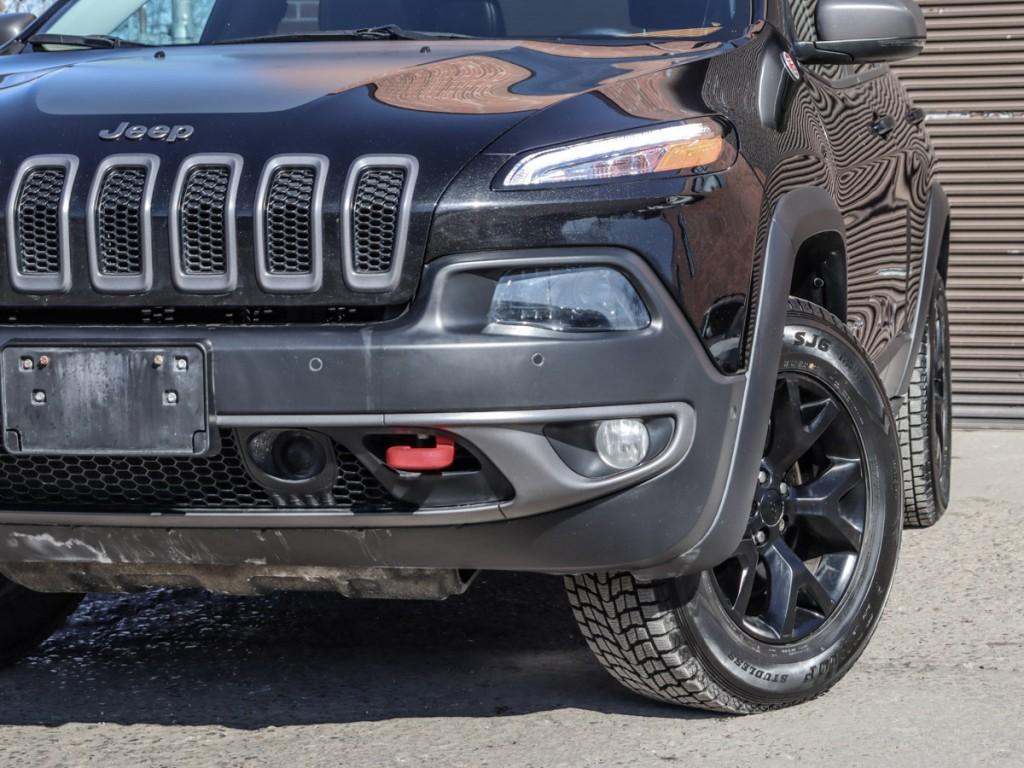 2015 Jeep Cherokee Trailhawk 3.2-L V-6 DOHC 24V AWD