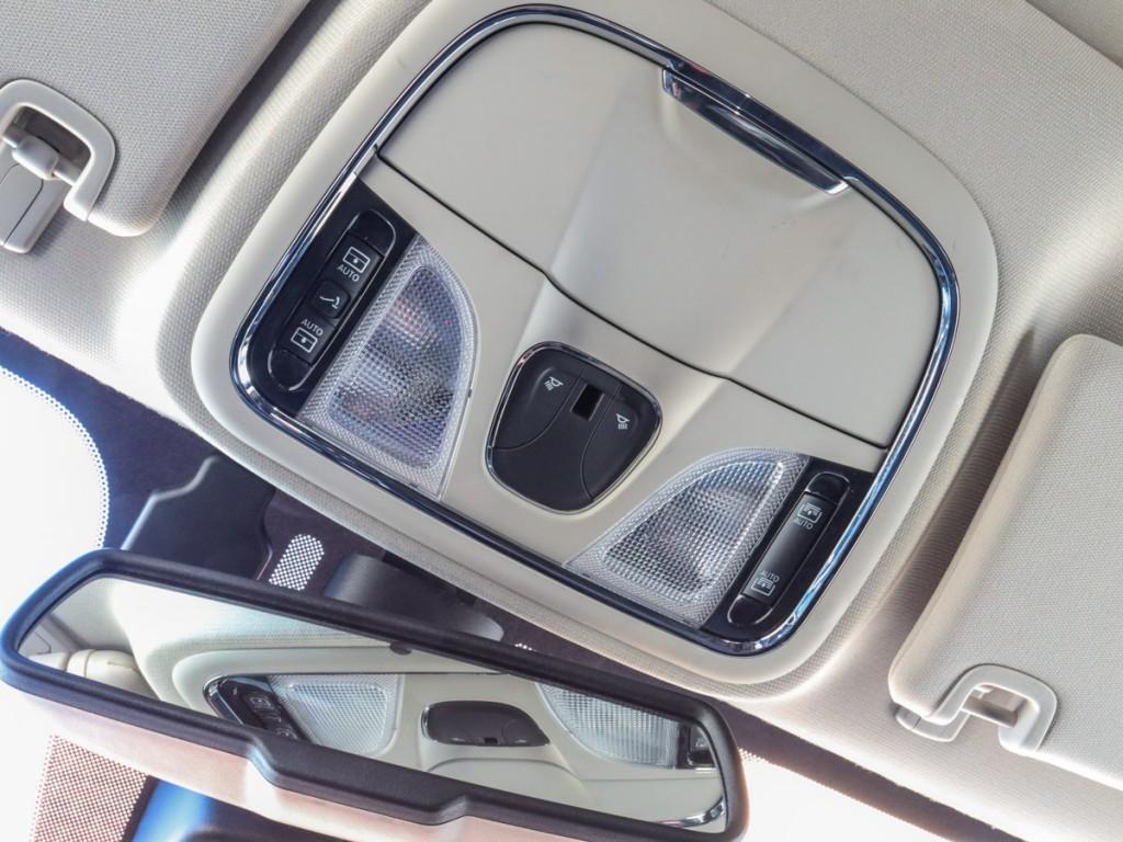 2015 Jeep Cherokee Limited 2.4-L L-4 DOHC 16V AWD