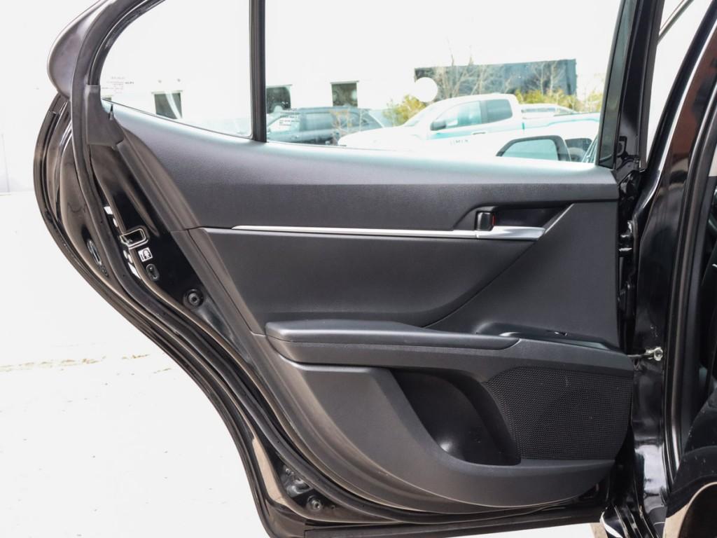 2018 Toyota Camry Hybrid LE 2.5-L L-4 DOHC 16V Hybrid FWD